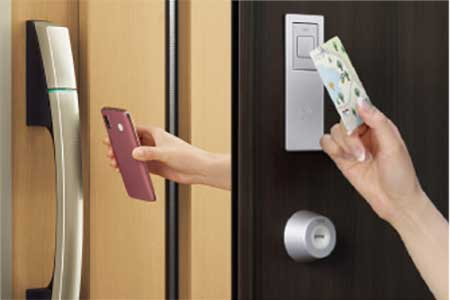 ●高機能玄関ドア